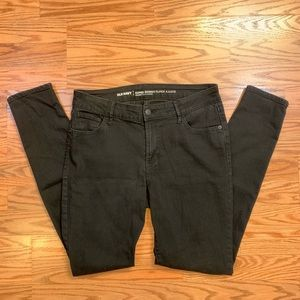 Old Navy Mid-Rise Super Skinny Jeans In Black